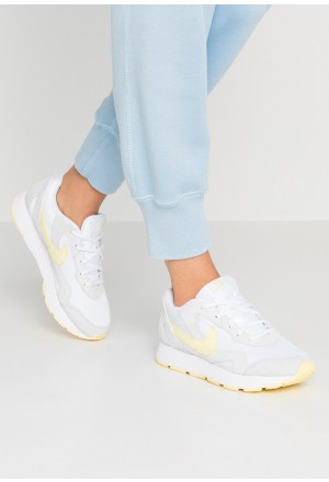 Nike DELFINE - Sneakers laag white/bicycle yellowNIKE101279