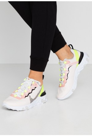Nike REACT ELEMENT 55 PRM - Sneakers laag light soft pink/atmosphere grey/black/volt/vast greyNIKE101382