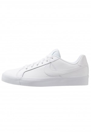 Nike COURT ROYALE - Sneakers laag whiteNIKE202625
