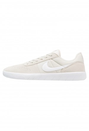 Nike SB TEAM CLASSIC - Skateschoenen light bone/white/ridgerockNIKE202535