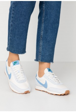 Nike DAYBREAK - Sneakers laag half blue/light blue/pale ivory/phantom/med brown/mystic greenNIKE101418