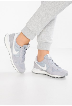 Nike INTERNATIONALIST - Sneakers laag wolf grey/summit white/sailNIKE101393