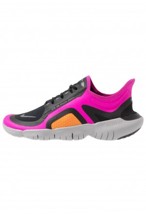 Nike FREE RN SHIELD - Loopschoen neutraal fire pink/metallic silver/blackNIKE101768