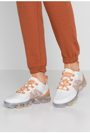 Nike AIR VAPORMAX 2019 SE - Sneakers laag summit white/copper moon/metallic summit whiteNIKE101591