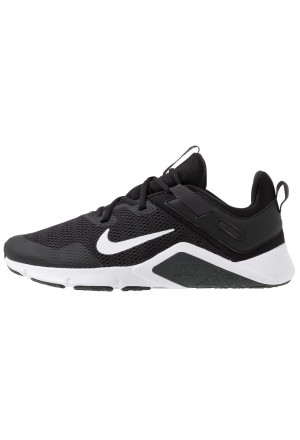 Nike LEGEND ESSENTIAL - Sportschoenen black/white/dark smoke greyNIKE203011
