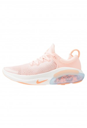 Nike JOYRIDE RUN - Hardloopschoenen neutraal sunset tint/orange pulse/pink quartz/crimson tint/sailNIKE101742