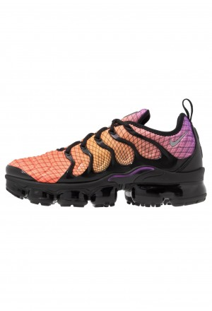 Nike AIR VAPORMAX PLUS - Sneakers laag bright crimson/reflect silver/hyper violet/bright ceramic/black/whiteNIKE202423