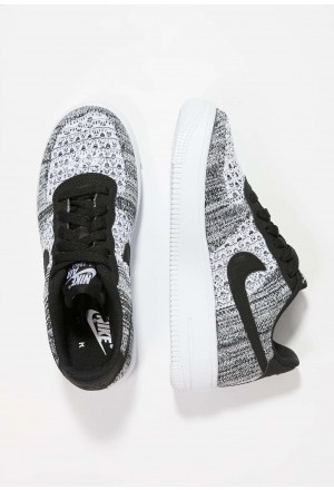 Nike AIR FORCE 1 FLYKNIT 2.0 - Sneakers laag black/pure platinum/whiteNIKE303248