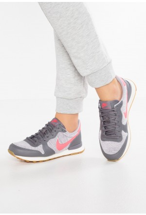 Nike INTERNATIONALIST - Sneakers laag gunsmoke/sea coral/atmosphere grey/sail/light brownNIKE101392