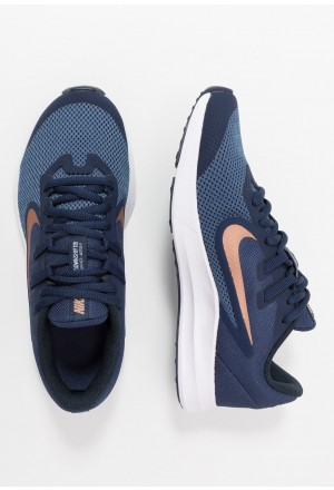 Nike DOWNSHIFTER 9 - Hardloopschoenen neutraal midnight navy/metallic red bronze/dark obsidianNIKE303571