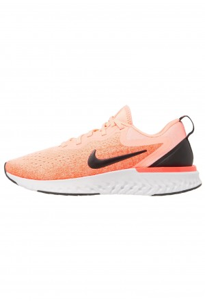 Nike ODYSSEY REACT - Hardloopschoenen neutraal light atomic pink/black/flash crimsonNIKE101928