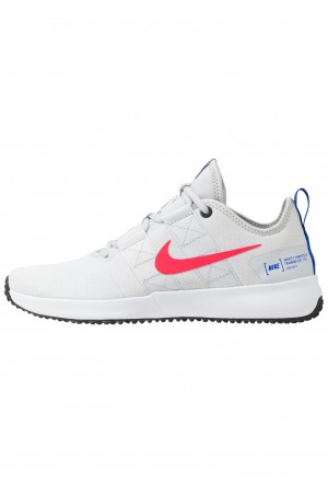 Nike VARSITY COMPETE TRAINER 2 - Sportschoenen pure platinum/red orbit/white/racer blue/blackNIKE202801