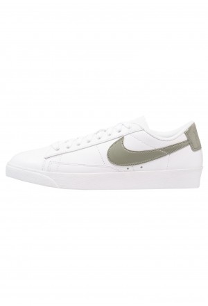 Nike BLAZER - Sneakers laag white/dark stuccoNIKE101597