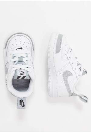 Nike FORCE 1 LV8 2 - Sneakers laag white/wolf grey/blackNIKE303428