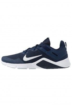 Nike LEGEND ESSENTIAL - Sportschoenen midnight navy/pure platinum/obsidianNIKE203009