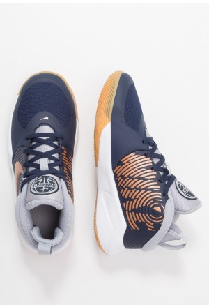 Nike TEAM HUSTLE D 9 - Basketbalschoenen midnight navy/metallic copper/wolf greyNIKE303547