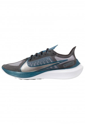 Nike ZOOM GRAVITY - Hardloopschoenen neutraal off noir/metallic pewter/atmosphere grey/black/white/blue forceNIKE203065