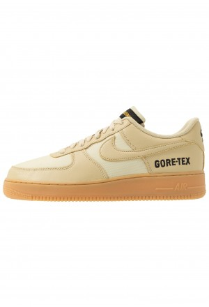 Nike AIR FORCE 1 GTX - Sneakers laag team gold/khaki/gold/black/off noir/light brownNIKE202565