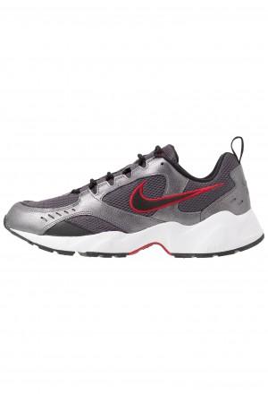 Nike AIR HEIGHTS - Sneakers laag thunder grey/black/metallic dark grey/gym red/whiteNIKE202350