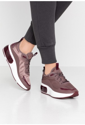 Nike AIR MAX DIA - Sneakers laag plum eclipse/black/night maroon/summit whiteNIKE101278