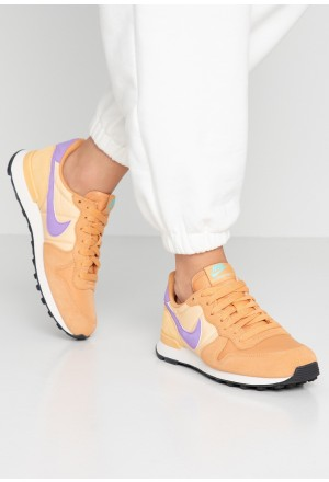Nike INTERNATIONALIST - Sneakers laag copper moon/atomic violet/celestial gold/aurora green/phantomNIKE101333