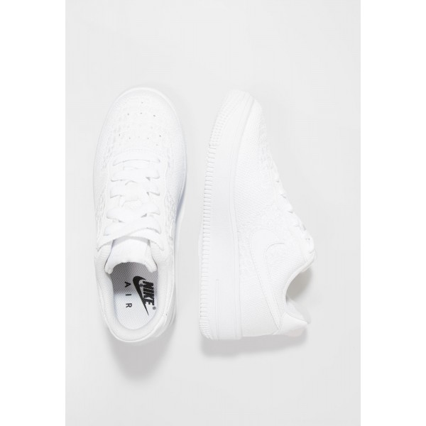 Nike AIR FORCE 1 FLYKNIT - Sneakers laag whiteNIKE303480