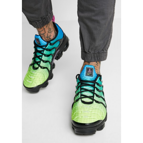 Nike AIR VAPORMAX PLUS - Sneakers laag aurora green/reflect silver/black/blue hero/china rose/voltNIKE202420
