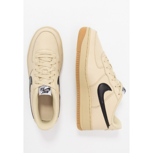 Nike AIR FORCE 1 LV8 5  - Sneakers laag team gold/white/black/medium brownNIKE303174