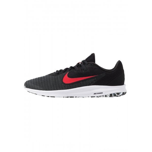 Nike DOWNSHIFTER 9 - Hardloopschoenen neutraal black/university red/whiteNIKE202753
