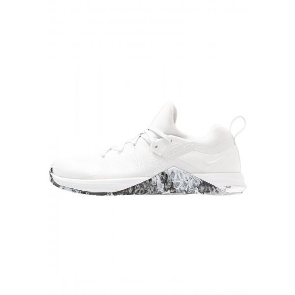 Nike METCON FLYKNIT 3 - Sportschoenen white/black/metallic silverNIKE101801