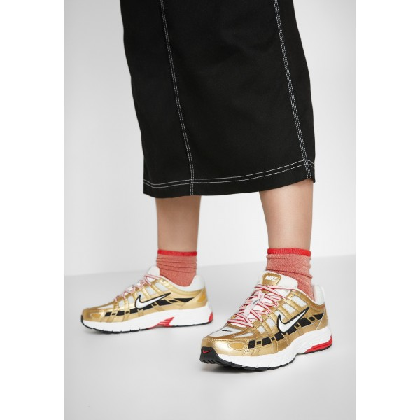 Nike P-6000 - Sneakers laag light bone/summit white/metallic gold/university red/blackNIKE101244